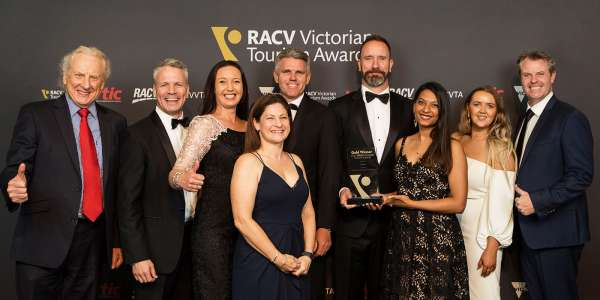 SkyBus wins second Gold at the 2017 Victoria Tourism Awards