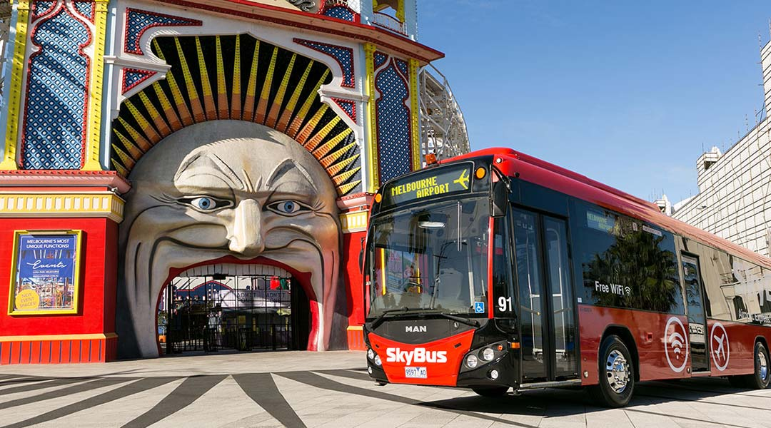 SkyBus in front of Luna Park